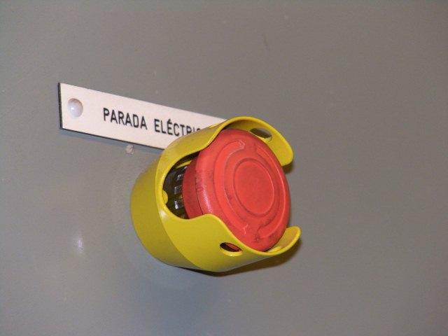 Aplicación real del bloqueo de acero para setas de emergencia de 40mm